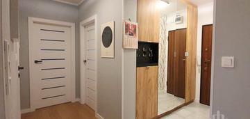 Atrakcyjne mieszkanie z halą garażowa!