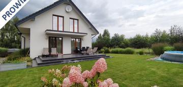 Ładny dom dla rodziny