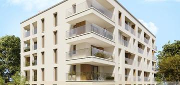 Stare miasto - nowy apartamentowiec