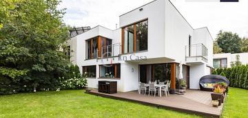 Bliźniak, 5 pokoi, 258 m2, sauna, piękny ogród