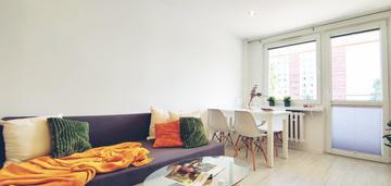 Po remoncie, 2 pokoje, osobna kuchnia, balkon