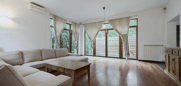 Dom jednorodzinny 280 z ogrodem, sauną
