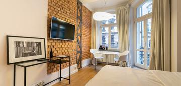 Przepiękne 2 pokoje w centrum poznania z balkonem