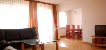 Duże 5-pokojowe mieszkanie w centrum warszawy